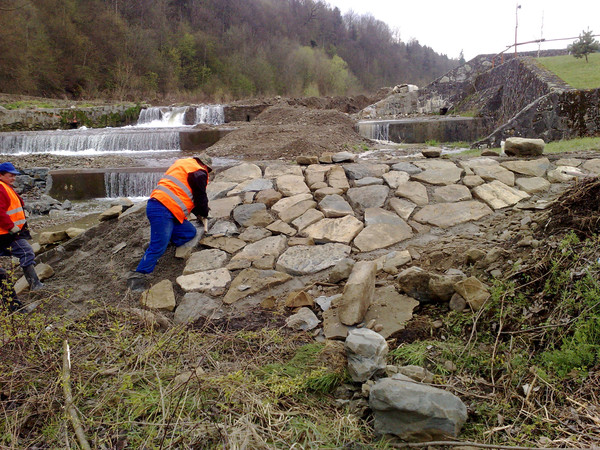 Rozpoczęcie prac przy przebudowie kaskady potoku Krzczonówka.
